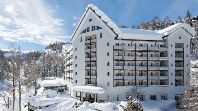 Purtret da l'hotel Schweizerhof a Segl Maria.