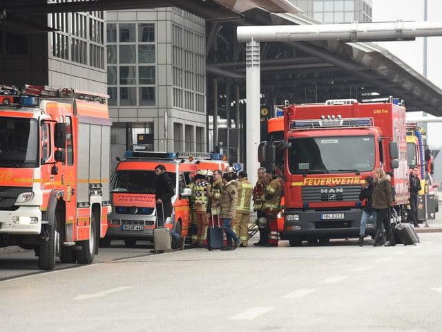 Feuerwehreinsatz am Hamburger Flughafen