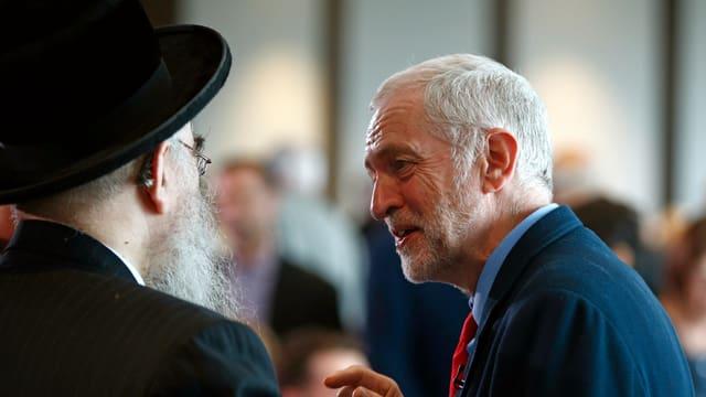 Anhaltende Kritik an Corbyn
