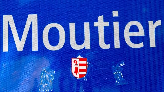 Strassenschild von Moutier