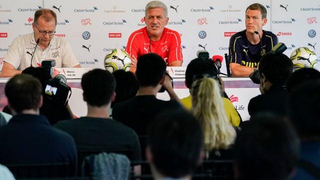 Nati-Coach Vladimir Petkovic an der Medienkonferenz