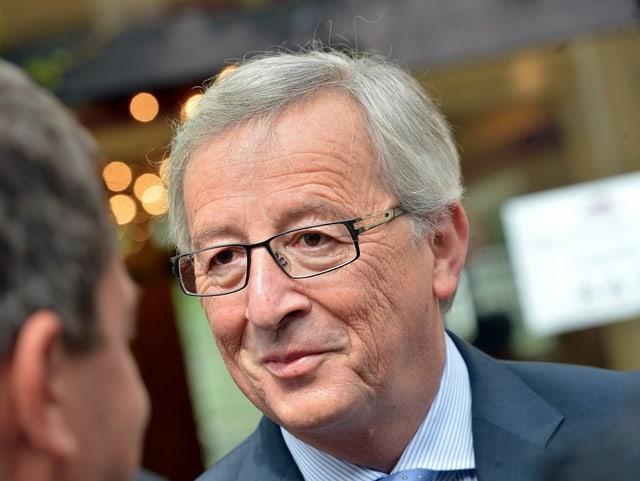Claude Juncker spricht mit Journalisten