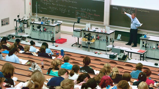 Hörsaal in der Universität Zürich.