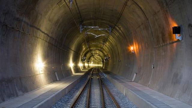 Eine Röhre des Lötschberg-Basistunnels.