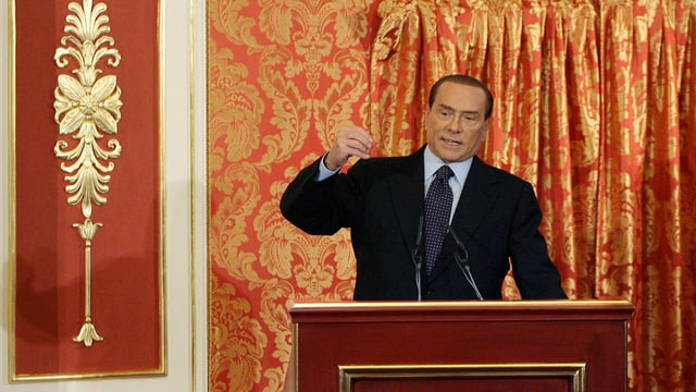 Berlusconi am Rednerpult