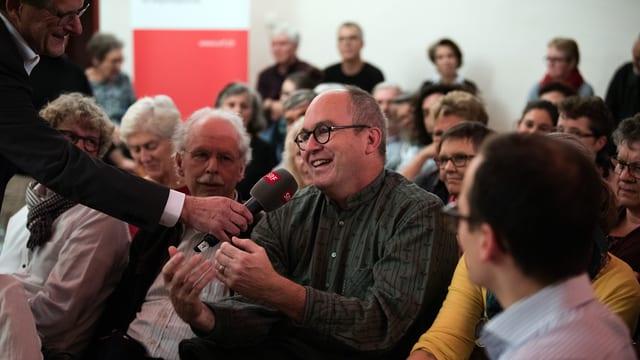Angeregte Diskussionen bei «Hallo SRF! Regional» in Brugg.