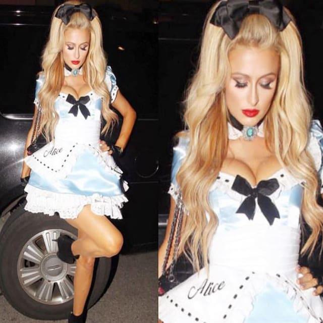 Paris Hilton im kurzen Kleidchen.