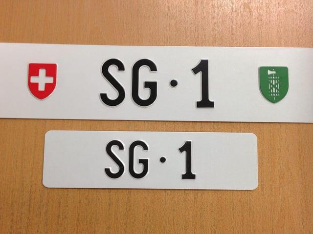 Autokennzeichen «SG·1».