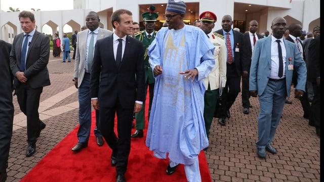 Französischer Präsident Macron mit nigerianischem Präsidenten Buhari.