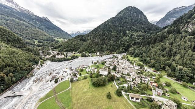 Luftaufnahme vom Bergsturzgebiet Bondo