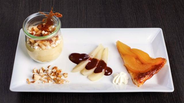 Drei Birnen-Desserts auf dem Teller.