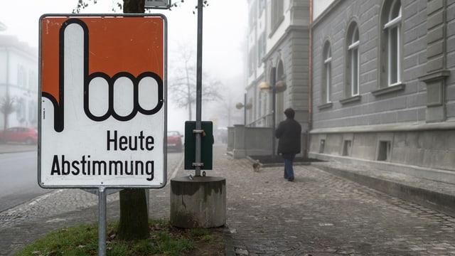 Tafel heute Abstimmung im Nebel.