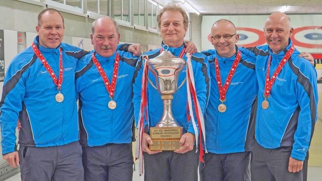 Team Solothurn Wengi mit Pokal