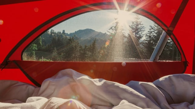 Die Aussicht aus einem Zelt.