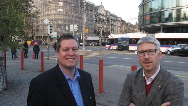 Die beiden Stadtluzerner Politiker Peter With (SVP) und Roger Sonderegger (CVP) am Luzerner Pilatusplatz.