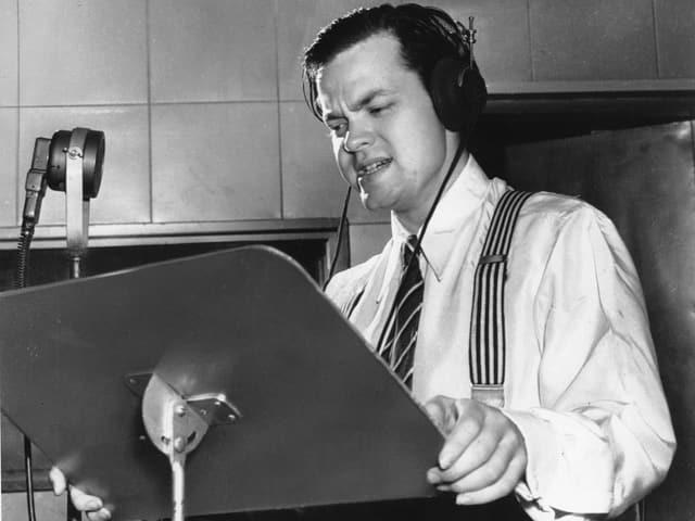 Orson Welles 1938 in einem New Yorker Studio.
