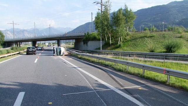 accident, auto donnegià sin l'autostrada