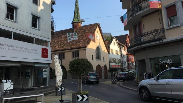 Altstadt von Arbon, mehrere Autos