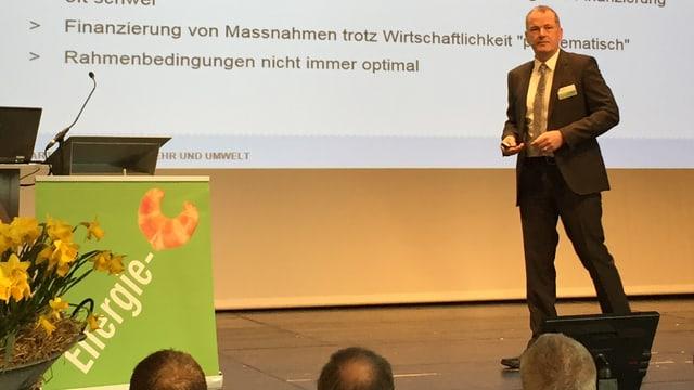 Stephan Attiger am Energie-Gipfel.