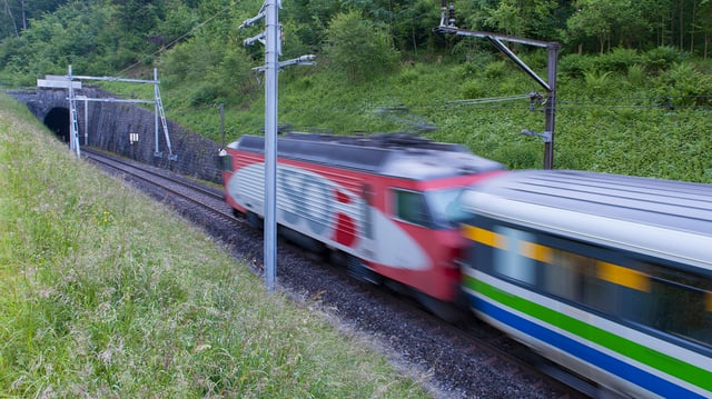 Die Südostbahn testet ein berührungsloses E-Ticket auf dem Smartphone.