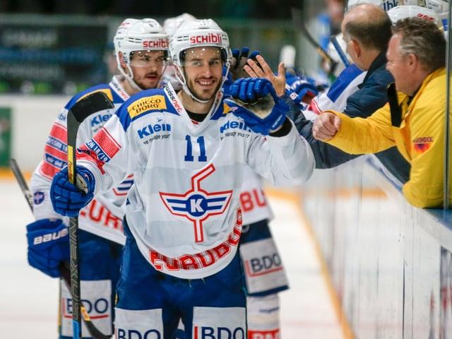 Kloten (hier mit Fabian Ganz) dürfte in der neuen Saison viel Grund zum Jubeln haben.