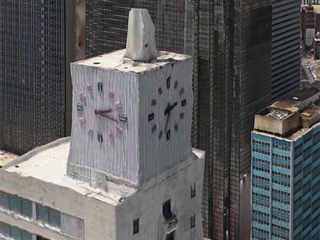 3D-Kartenansicht: Uhrenturm in einer Grosstadt. Der Turm ist stark deformiert, die zwei Uhren auf den verschiedenen Seiten zeigen unterschiedliche Zeiten an