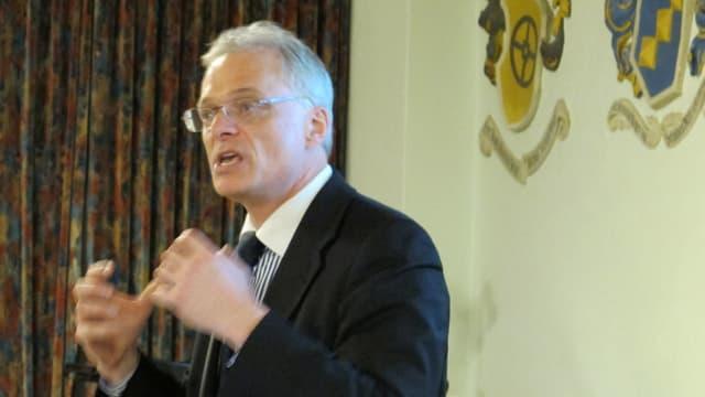 Ständerat Thomas Minder referiert in Schaffhausen.