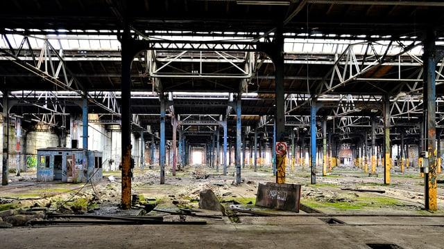 Verlassene Produktionshalle