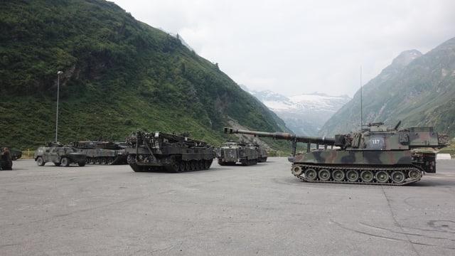 Il pli grev char armà a Valragn paisa 65 tonnas.