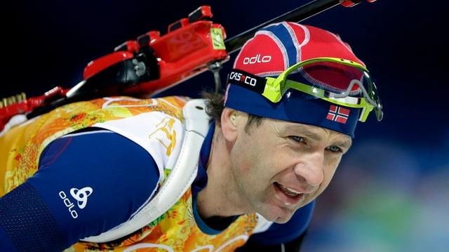 Björndalen, hier bei seinem Olympia-Rennen mit der norwegischen Biathlon-Staffel in Sotschi, will mehr.