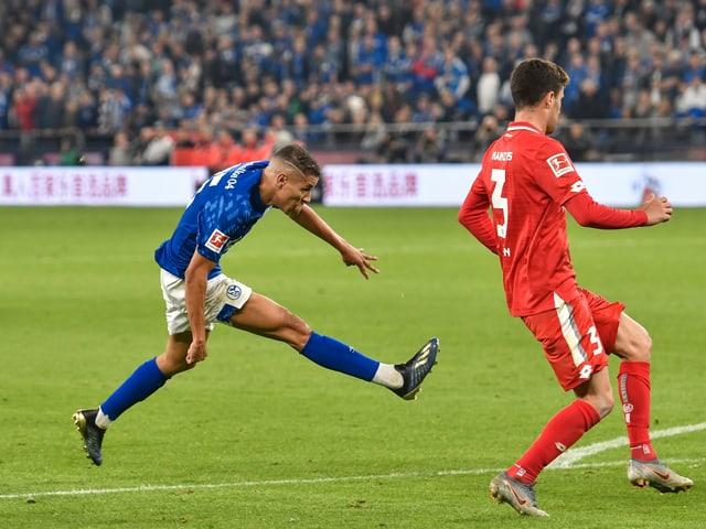 Amine Harit schiesst Schalke gegen Mainz ins Glück.