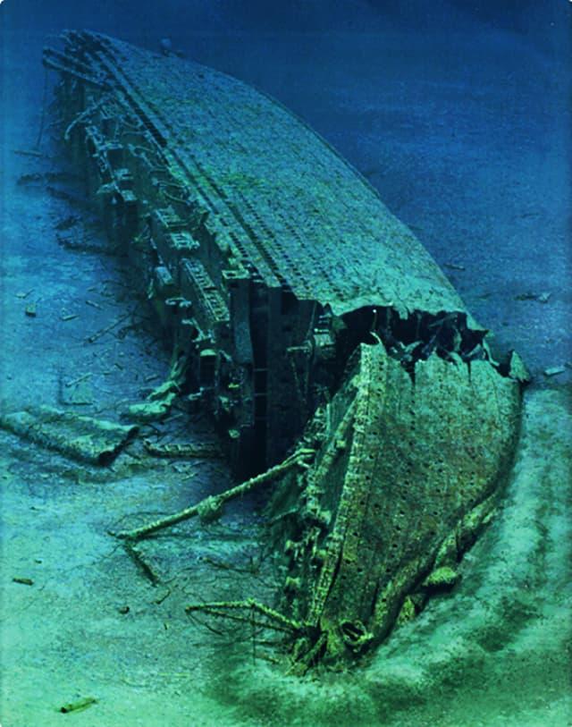 Unterwasseraufnahme der Britannic in ihrem heutigen Zustand.