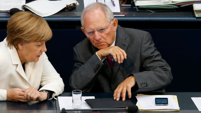 Angela Merkel und Wolfgang Schäuble im Bundestag.