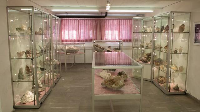 La collecziun da cristals cun ina valita da passa 100'000 francs na duai betg bandunar la Cadi.