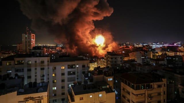 Fieu sur Gaza en la notg.