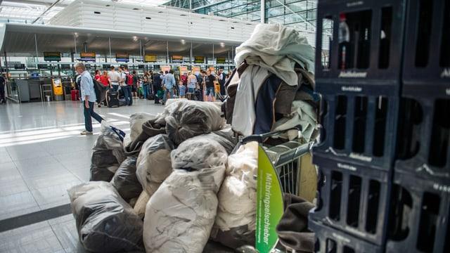Kissen und Decken am Flughafen München nach Sicherheitspanne