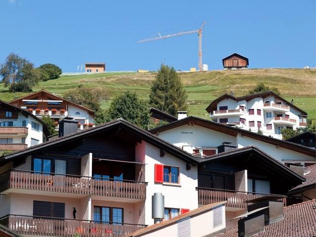 Hügel mit Einfamilienhäusern