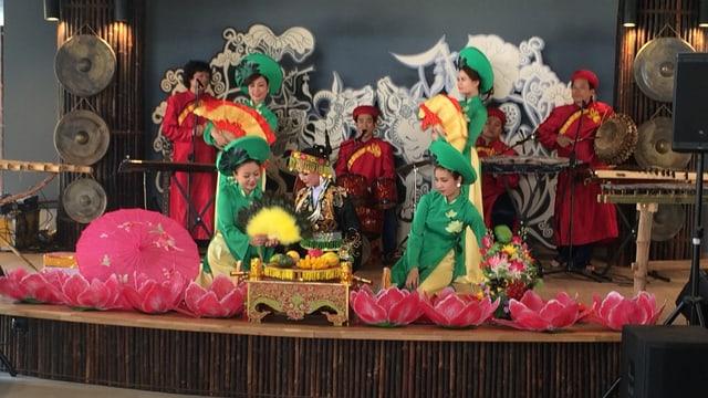 En il pavigliun da Vietnam datti adina puspè shows da vesair.