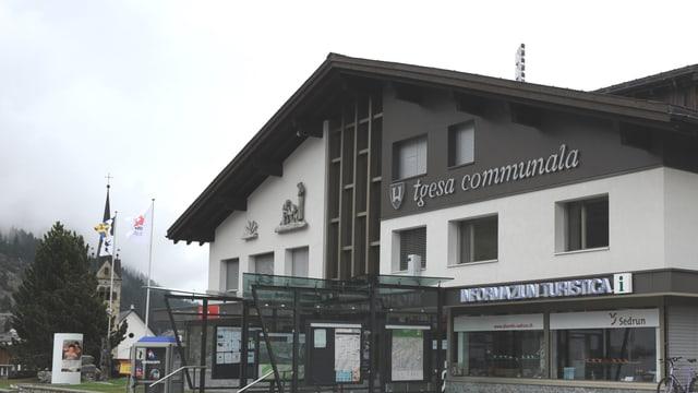 La chasa communala da Tujetsch a Sedrun.