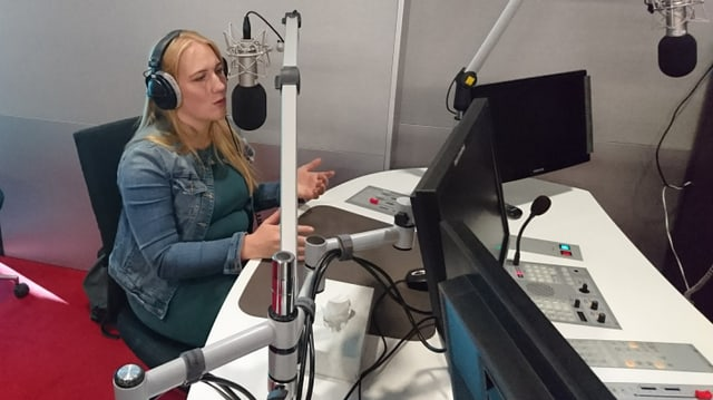 Ira May durant l'intervista en il studio RTR.
