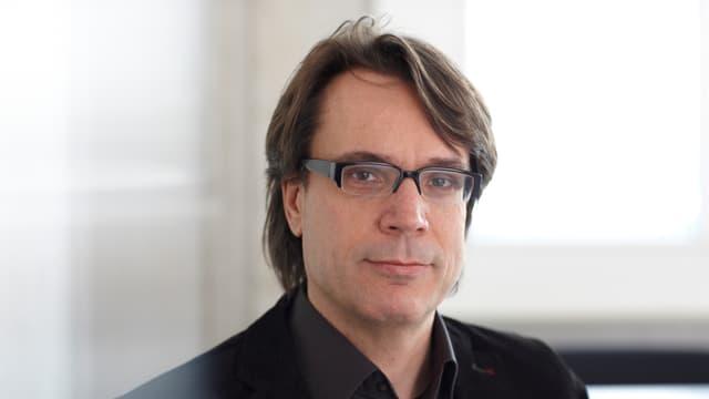 Mark Eisenegger ist Professor für Kommunikationswissenschaften an der Universität Zürich sowie an der Universität Salzburg.