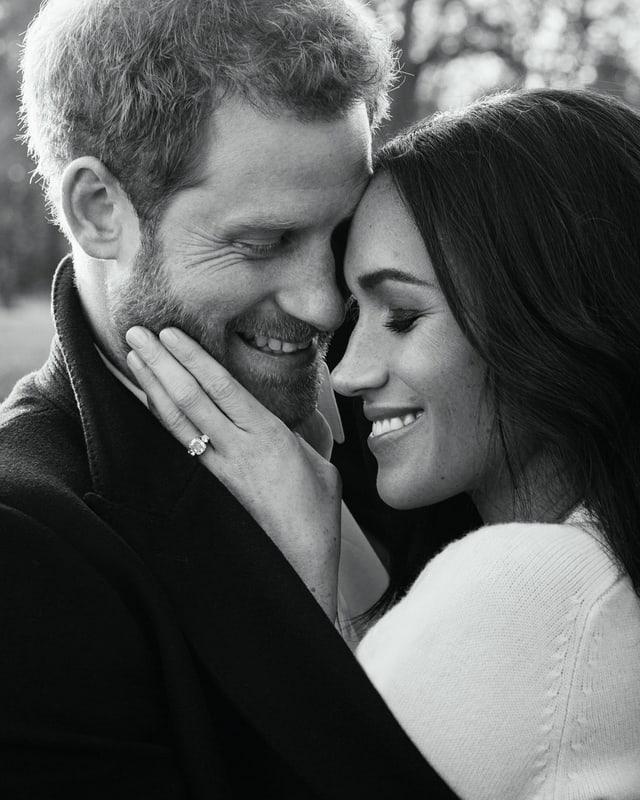 Offizielles Verlobungsfoto von Meghan und Harry. Geschossen im Dezember 2017 vom Promi-Fotografen Alexi Lubomirski.