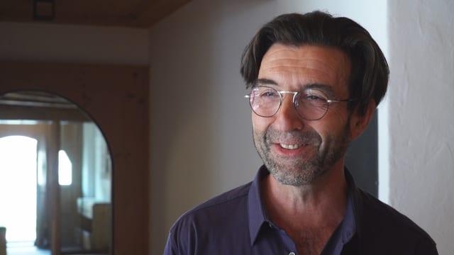 Hans Schmid durant ina intervista