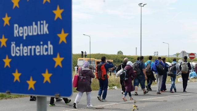 Fugitivs arrivan ils 14 da settember da l'Ungaria en l'Austria.