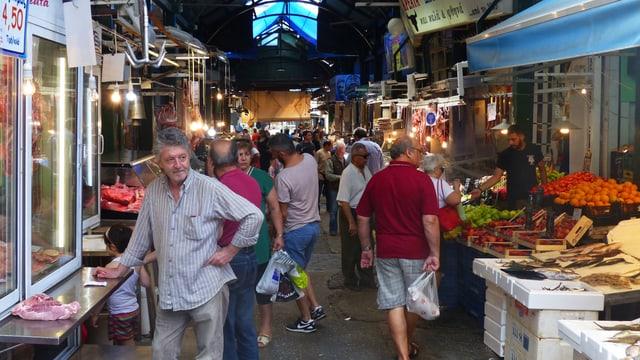 Im Kapani-Markt in Thessalonik herrscht reger Betrieb.