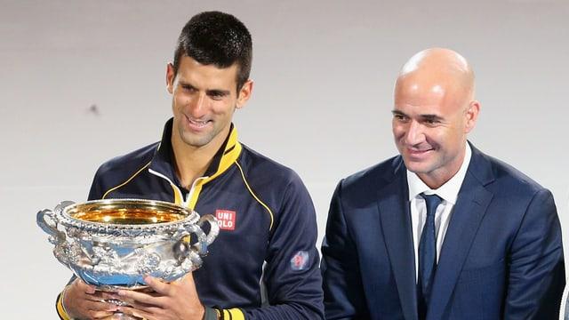 Novak Djokovic und Andre Agassi.