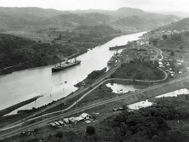 Dampfer «SS Ancon» passiert Panama-Kanal.