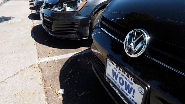 In auto VW cun ina tavla «WOW!».