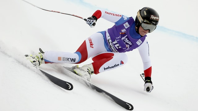 La skiunza svizra Lara Gut durant la cursa rapida a Thuile en l'Italia.