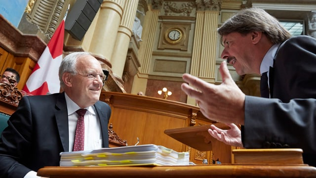 Schneider-Ammann und Paul Rechsteiner 2015 im Parlament